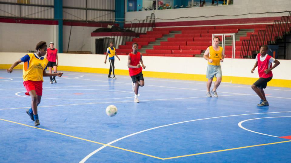 Pemain yang kehabisan stamina tidak akan bisa tampil maksimal dalam permainan futsal
